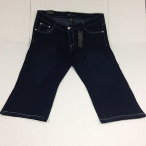 NWT Capri Jeans Dark Denim Embroidery Embellished